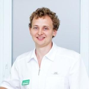 Поволоцкий Артем Владимирович врач стоматолог-терапевт, стоматолог-ортопед, хирург-имплантолог